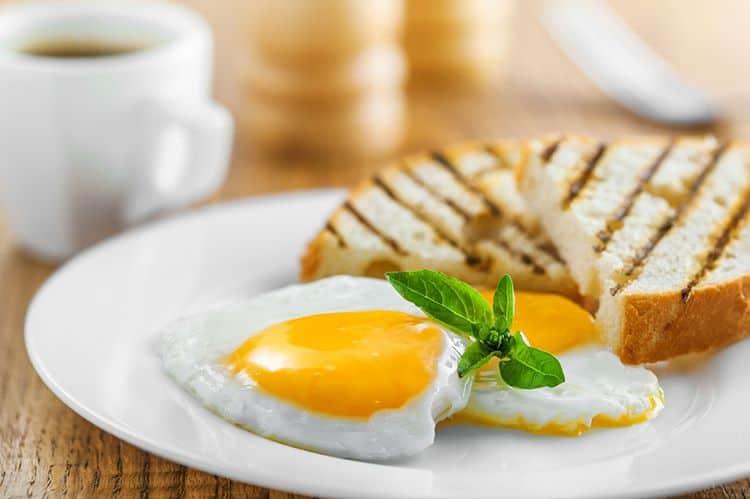 Sakın böyle yemeyin! Yumurta öldürüyor..