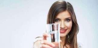 Boş Mideyle 4 Bardak Su İçince Bakın Neler Oluyor?