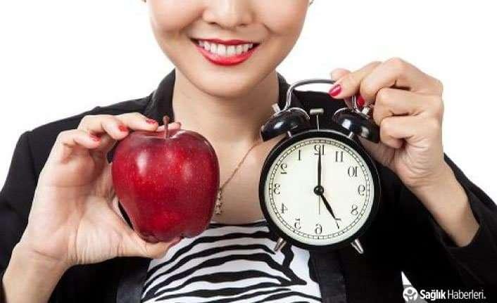 Her üç saatte bir sağlıklı bir şeyler yiyin