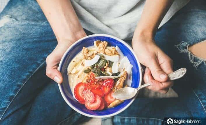 Yemek esnasında dikkatinizi yemeğe verin