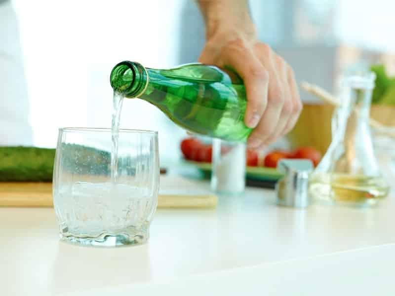 Maden suyunu böyle içmek faydalarını azaltıyor!