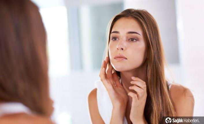 Makyaj ile uyumak cildinizde yamalara ve renk değişimine neden olabilir