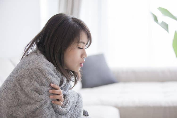 Üşümeye neden olan hastalıklar nelerdir? Sürekli üşüme hissi neden olur?
