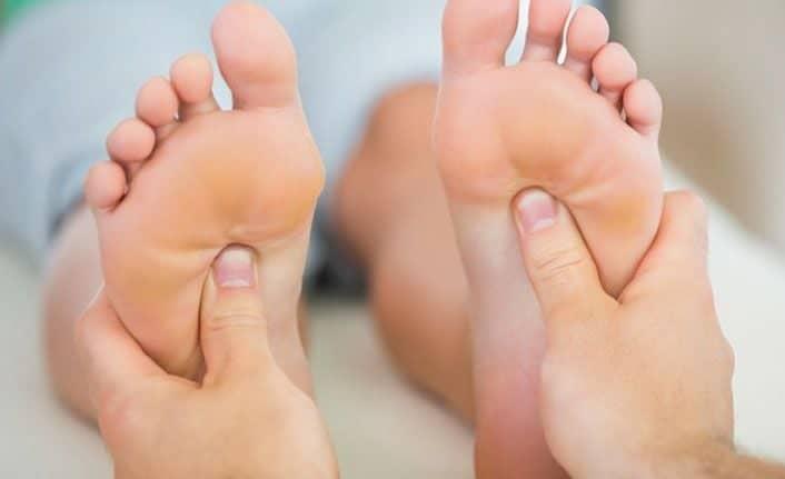 Refleksoloji Nedir? Nasıl Uygulanır? Hangi Hastalıkları Tedavi Eder?