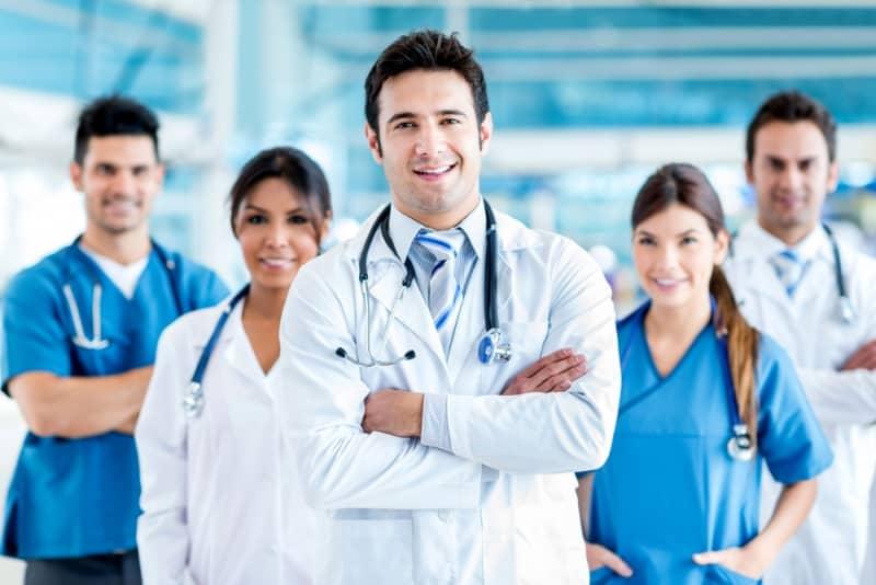 Yeni askerlik sisteminde doktorlar askerlikten muaf mı tutulacak?