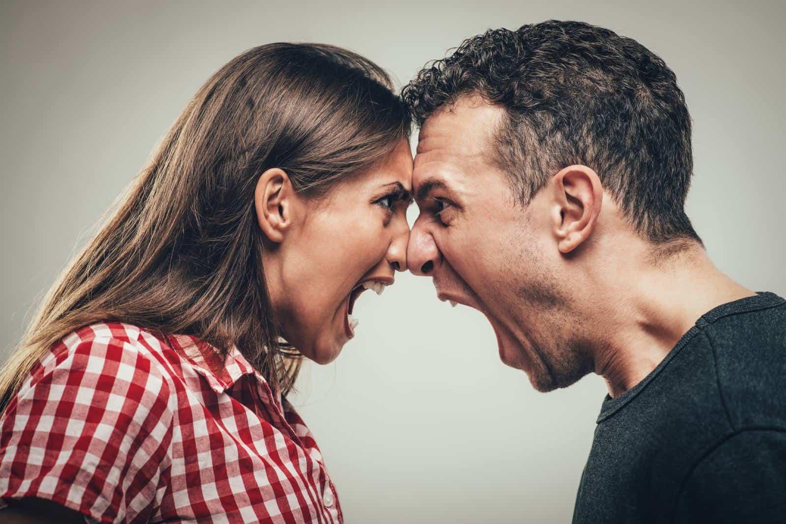 iliskilerde en sik yapilan hatalar İlişkilerde Yapılan En Büyük 5 Hata