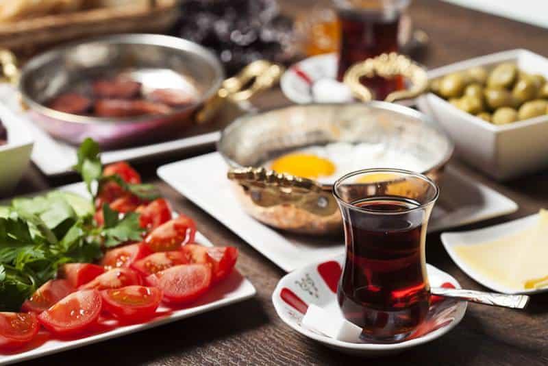 Ramazan Ayında Nasıl Beslenmeli?