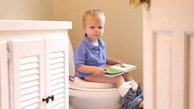 tuvalet egitimi nasil olmali Bebeklerde tuvalet eğitimi hakkında tüm detaylar
