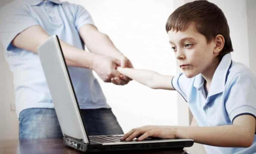 Çocuğunuzu internet bağımlısı olmaktan nasıl korursunuz?