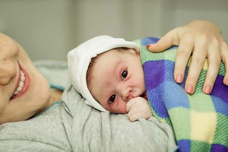 Doğal doğum nedir, nasıl yapılır? Normal doğum zor mu?