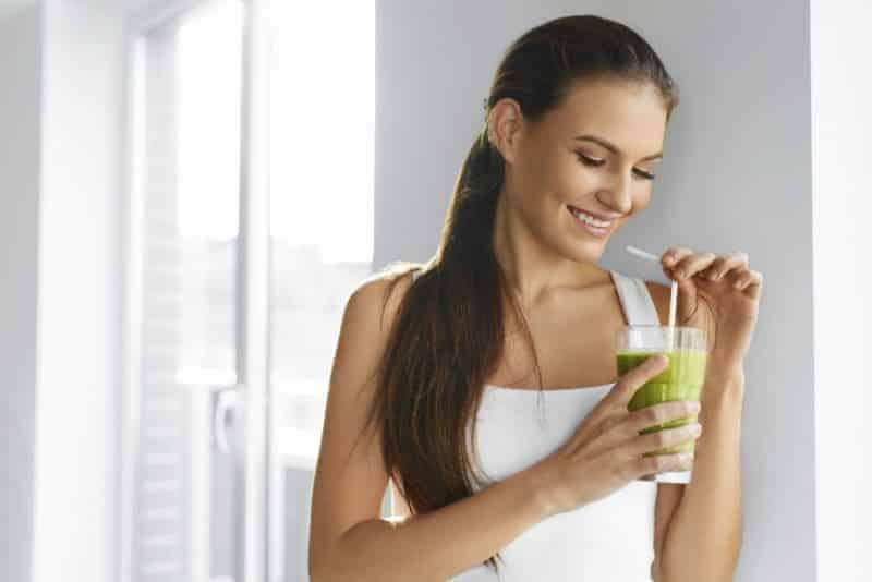 Her sabah bu karışımı içerek, 30 günde 5 kilo verin!