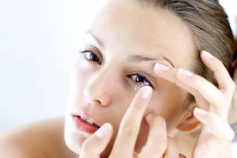 Kontakt lens kullanımı nasıldır? Kontakt lens kullanmak güvenli mi?