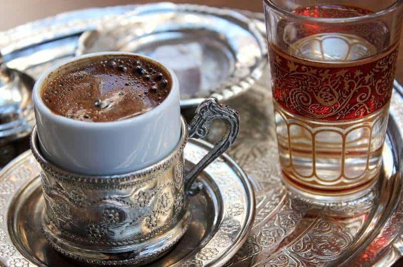Her sabah aç karnına Türk kahvesi içerek ayda 10 kilo verin!