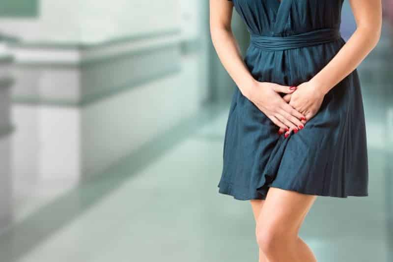 Kadınlarda genital uçuk neden olur, belirtileri neler? Genital uçuk tedavisi