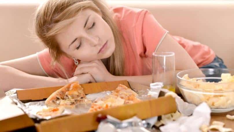 Kilo vermek istiyorsanız yemek yedikten sonra uyumayın!