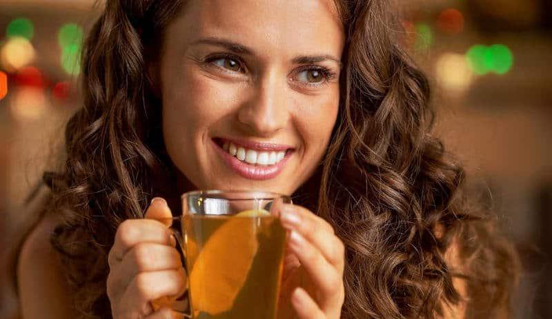 Soğuk kış günleri için şifalı zencefilli çay tarifi