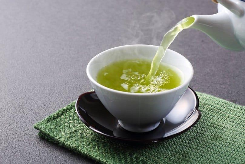 Yeşil çayı çok içerseniz hastanelik yapıyor!