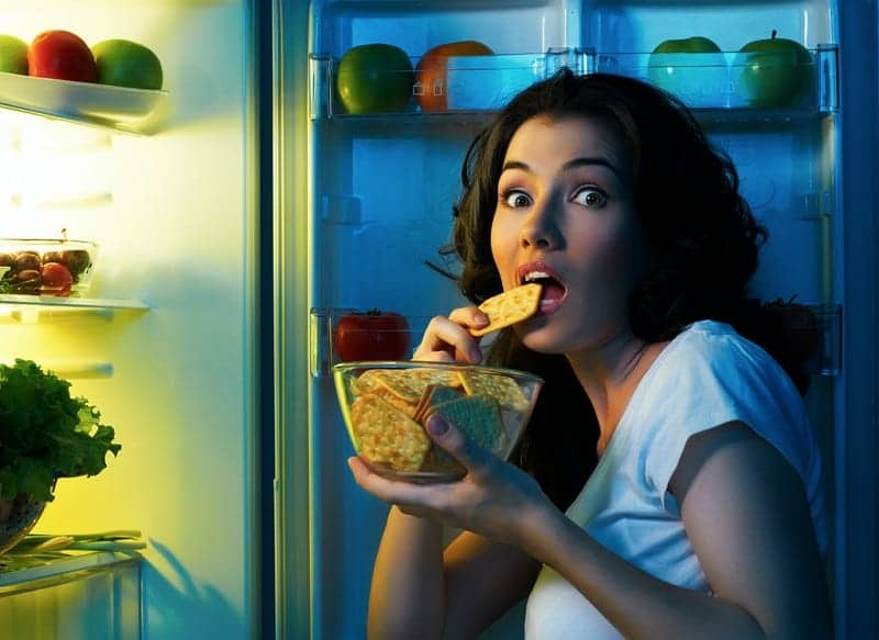 Zayıflamak için akşam 6'dan sonra yemek yemeyin!