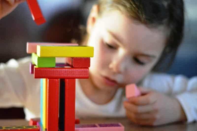 Çocukların zeka gelişimini olumlu etkileyen oyuncaklar neler?