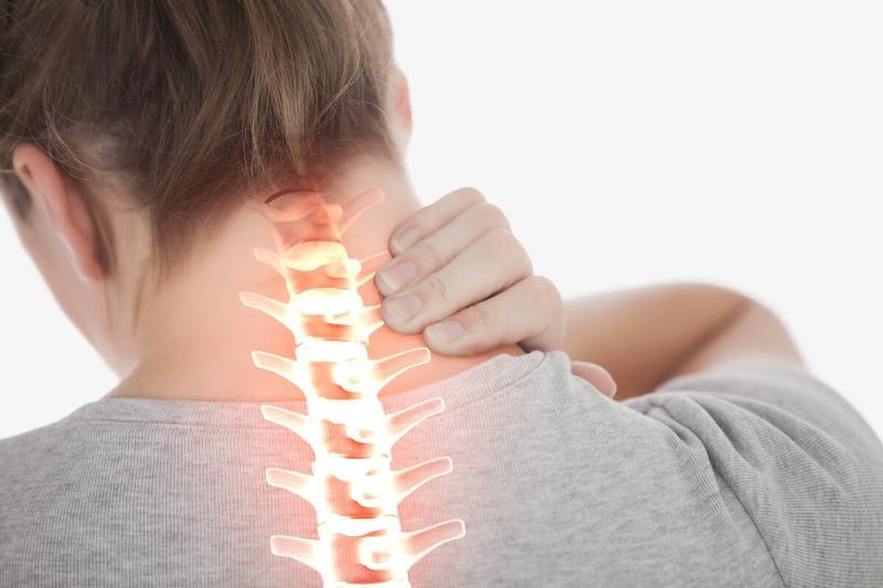 Canınızı acıtan boyun ağrısından kurtaran 5 egzersiz!