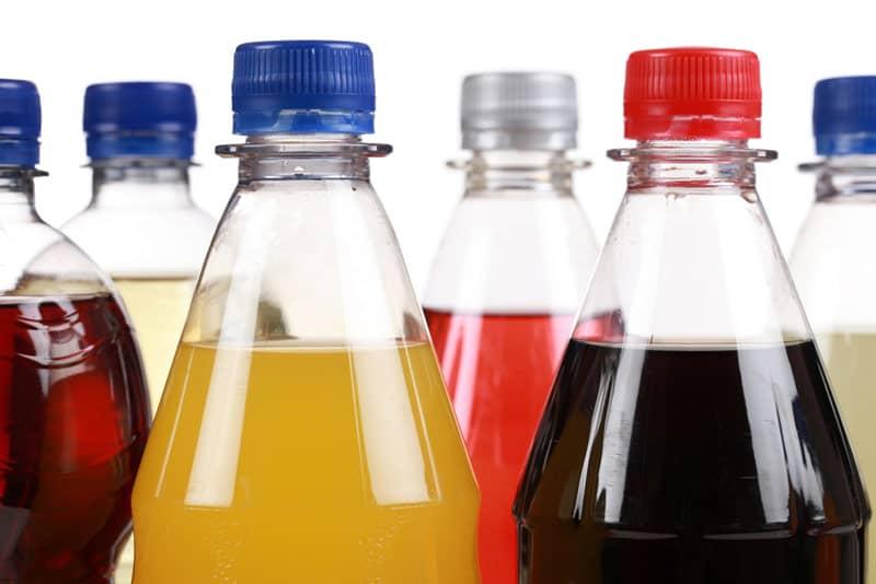 Obeziteye savaş açmak için şekerli içeceklere vergi zammı önerisi