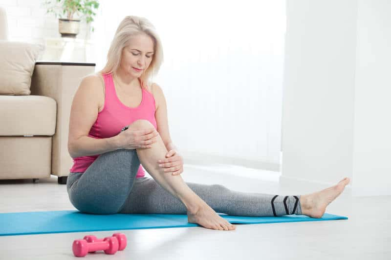 Bacaklarda zayıf kan dolaşımını iyileştirmenin en iyi 7 yolu