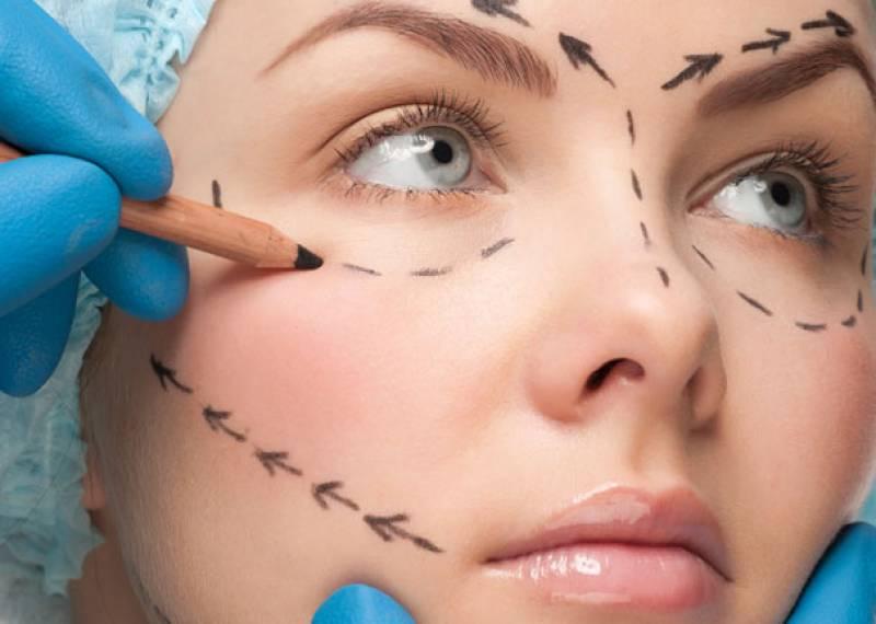 En doğru sonuç için hangi yaşta hangi estetik operasyon yapılmalı?