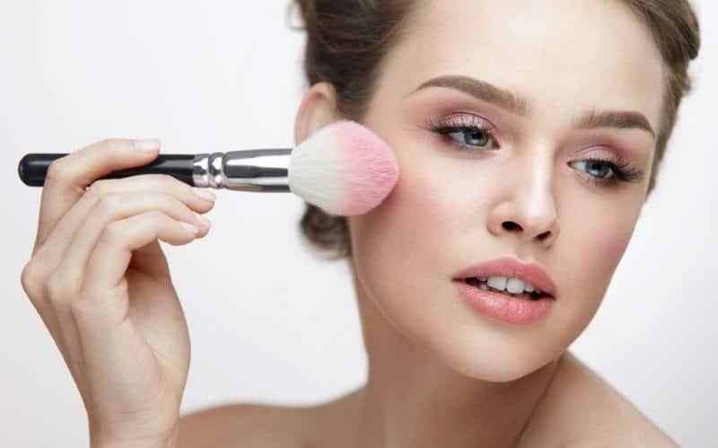 Kusursuz bir güzellik için makyajınız nasıl olmalı?