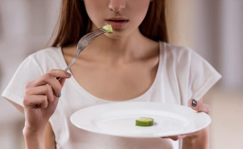 Öğle yemeğini atlamak zararlı mı?