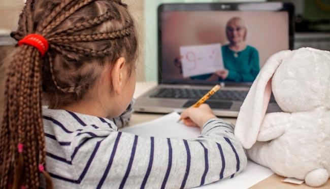 Uzaktan eğitim 2021'de de devam edecek mi? YÖK ve Milli Eğitim ne yapacak?