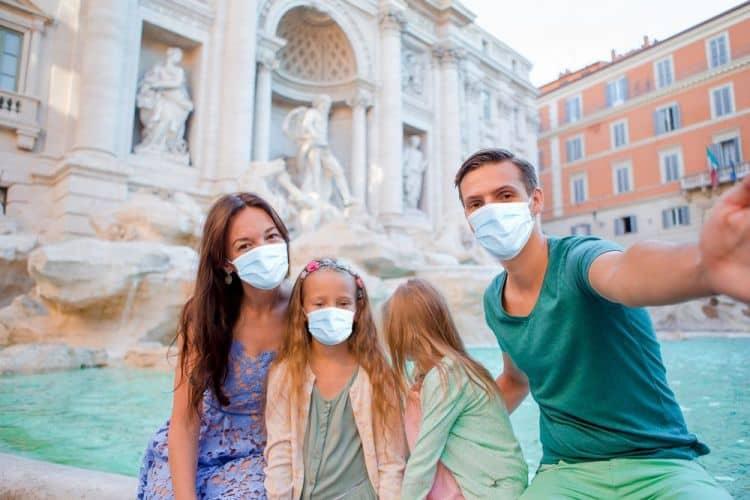 Yaz tatilini koronavirüsten korunarak geçirebilmek için alınması gereken tedbirler