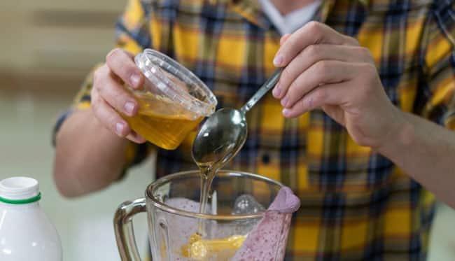 Bu güçlü içecekle diz ve eklem ağrılarını hızlıca tedavi edin!
