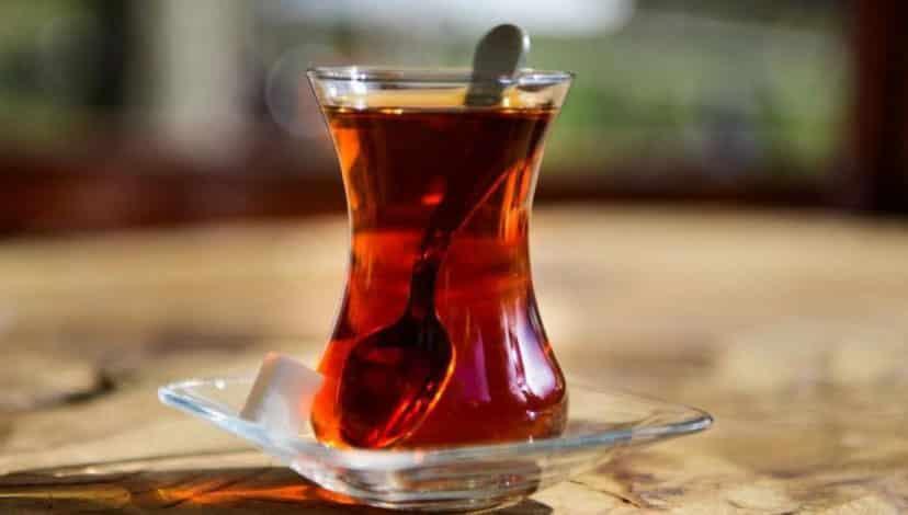 Çay severler dikkat! Boyalı çay içiyor olabilirsiniz
