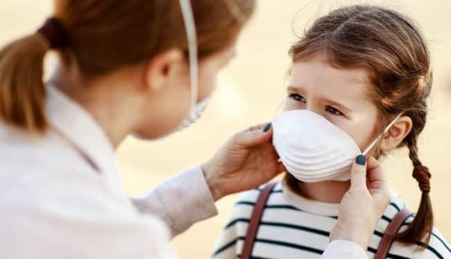 Okullardaki büyük tehlike! Öğrencilerin maske değişim riskine dikkat edilmeli