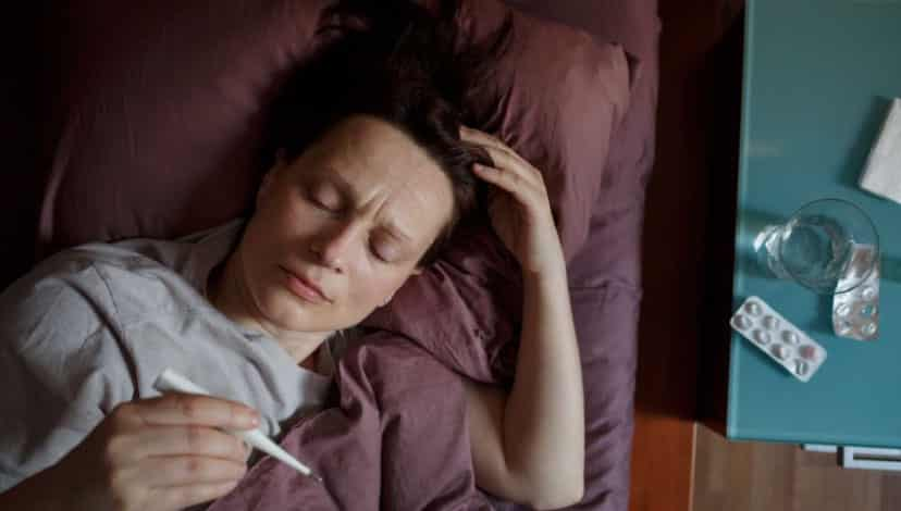 Gece terlemesinden koku kaybına: Koronavirüs hastalarının semptomları