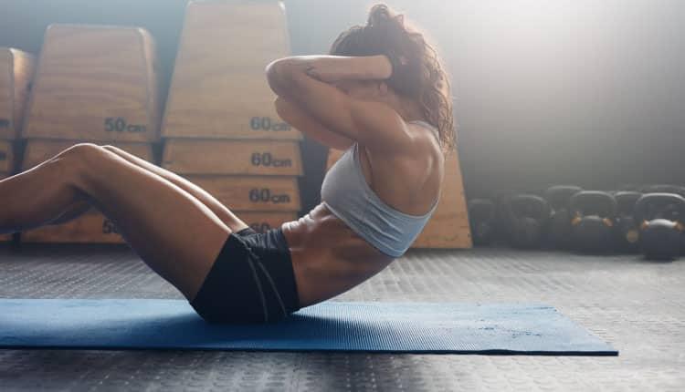 Karın kası yaparak daha sağlıklı ve fit görünebilirsiniz