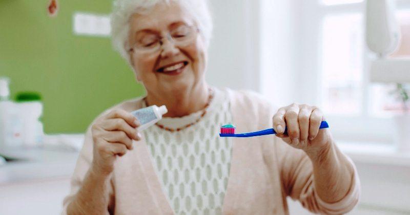 Covid-19 pandemisinde ağız ve diş bakımına daha fazla önem verilmeli