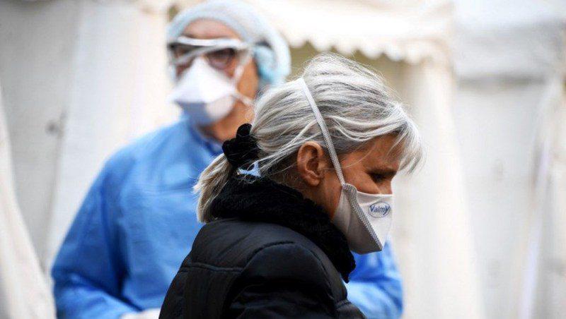 Bakan Koca: Pozitif vaka sayısı 1,5 milyonu, hasta sayısı 550 bini aştı