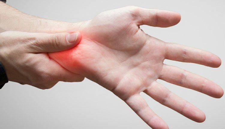 Bilek ağrısı neden olur, belirtileri nelerdir? Nasıl tedavi edilir?
