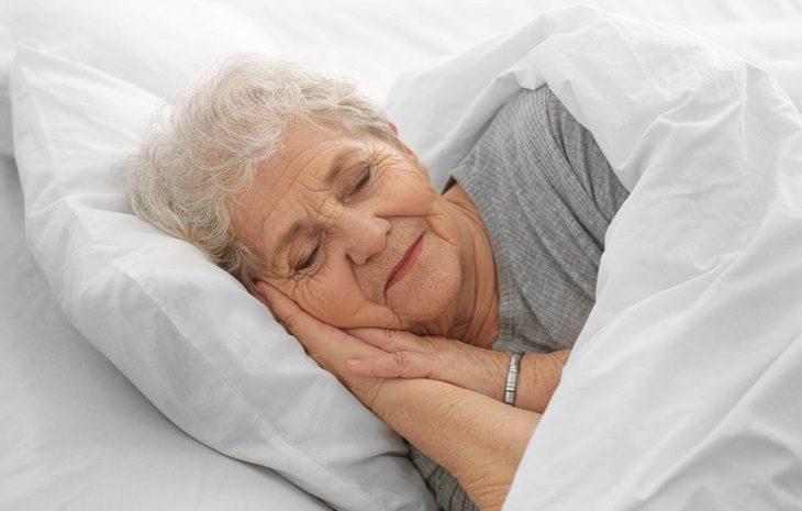 6-7 saat gece uykusu kalp sağlığını koruyor