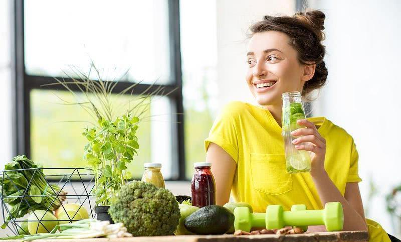 Bu yaz mutlaka içmeniz gereken 5 detoks içeceği
