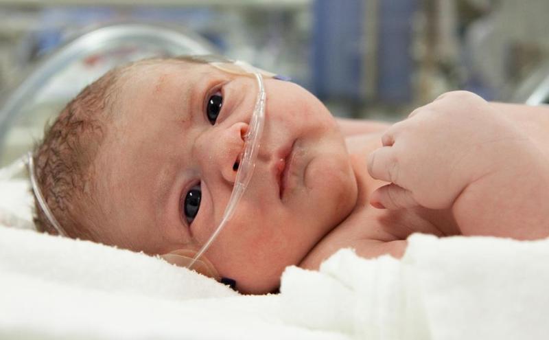 Kalbi delik bebek belirtileri neler, yaşar mı? Tedavisi
