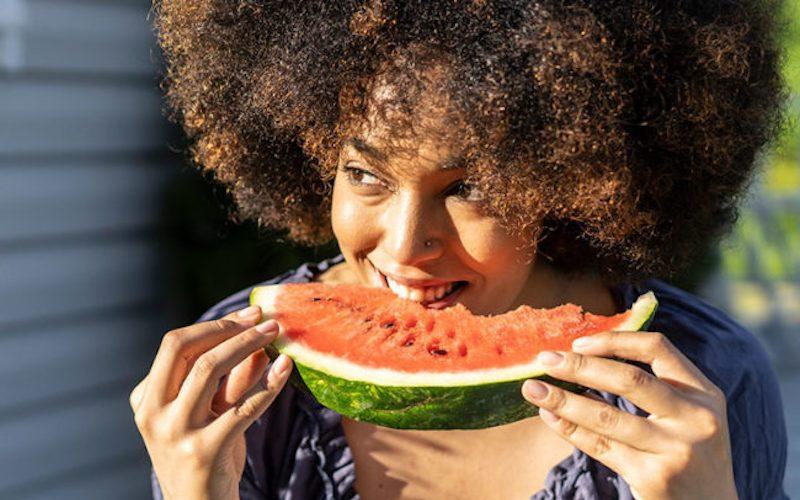 Bu10 besin ile yaz sıcaklarında vücudunuzun sıvı ihtiyacını karşılayın!