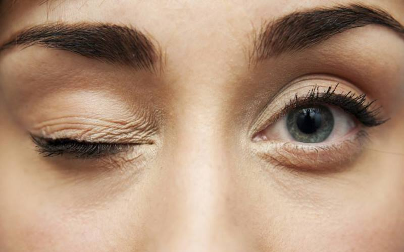 Sol göz seğirmesi hangi hastalığın belirtisidir?